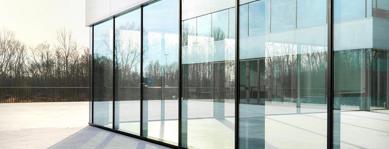 Alumiinium- ja klaasfassaadide paigaldustööd